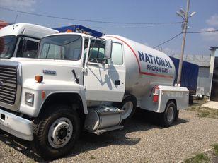 camion cisterna per trasporto gas FORD l8000