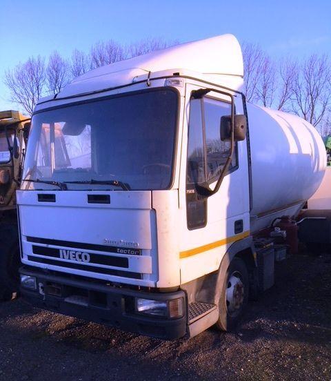 camion cisterna per trasporto gas IVECO 75E15