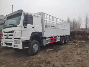 camion furgone HOWO Cargo truck