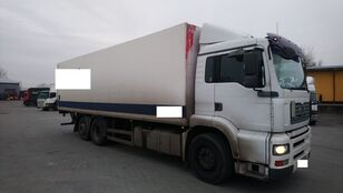 camion isotermico MAN 26 360