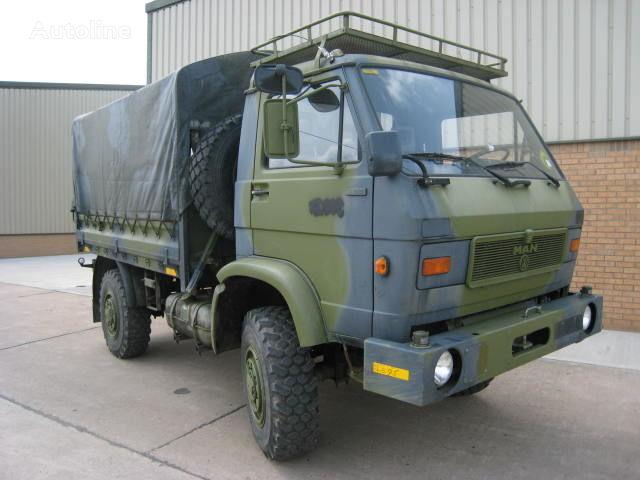 camion militare MAN 8.136