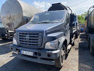 camion pianale GAZ C41R13-5