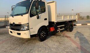 camion ribaltabile HINO 300