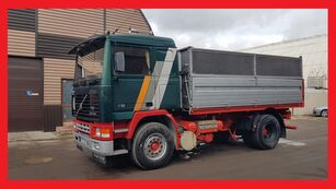camion ribaltabile VOLVO F 12  400 Tipper Spring / spring