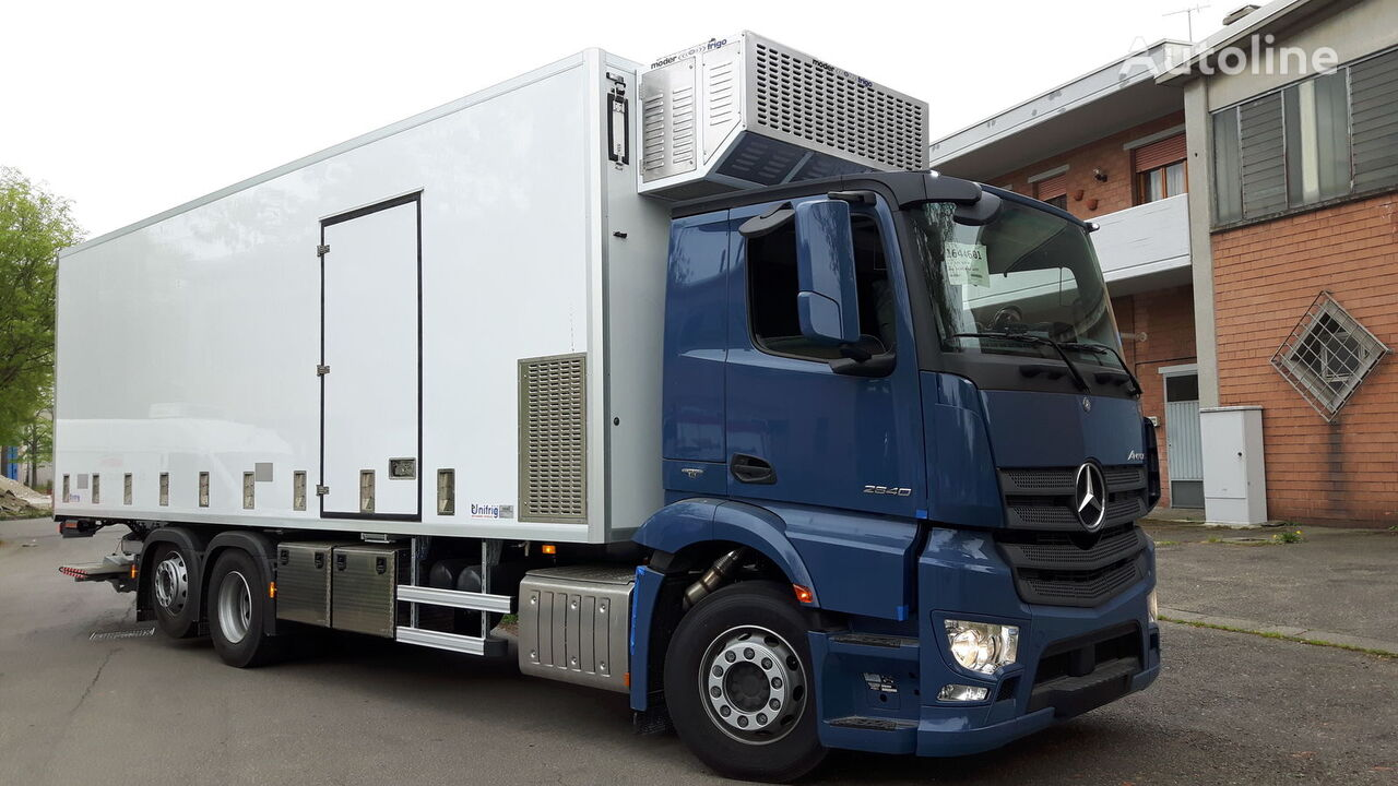 camion trasporto pollame MERCEDES-BENZ SPECIAL CHIKS TRASPORT VEHICLE-Koeken Aufbau- nuovo