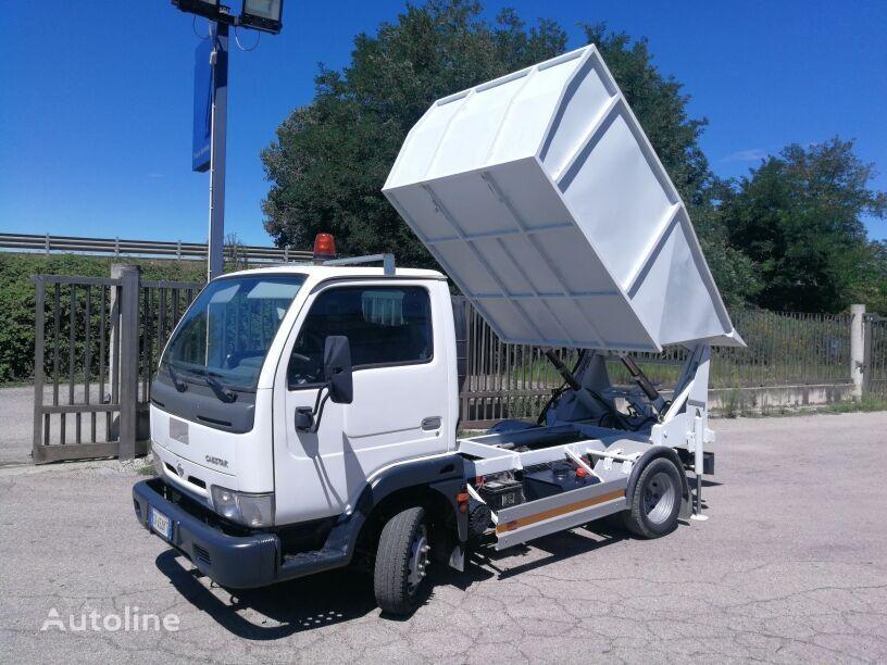 camion dei rifiuti NISSAN CABSTAR 35.13 VASCA RIBALTABILE+VOLTACASSONETTI