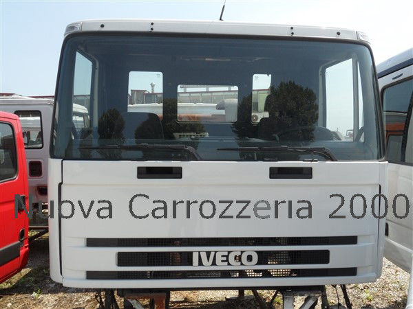 Vendita di cabine iveco per camion iveco trakker in italia for Cabine di noleggio in big bear ca