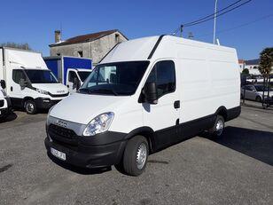 furgone autocarro IVECO Daily 35S13